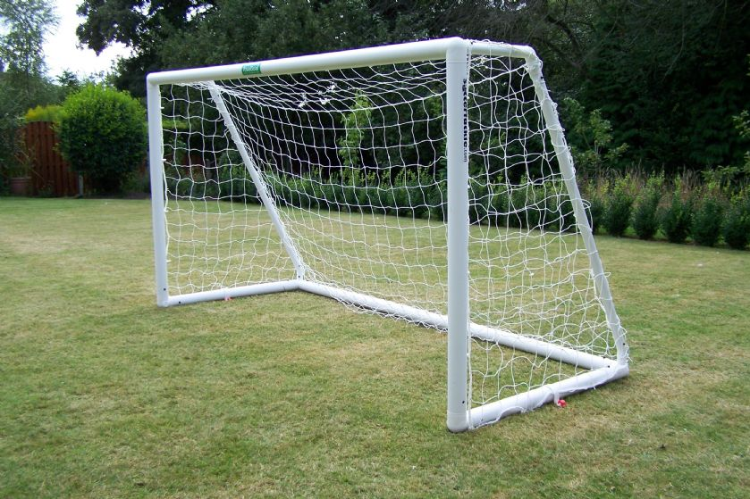 PLASTIC FOOTBALL GOAL - 6' x 4'
